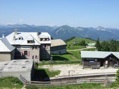 Foto: hofchri / Wander Tour / Schafberg (1782 m) von Winkl / Bahnhof der Zahnradbahn auf der Schafbergalm / 28.02.2009 19:14:49