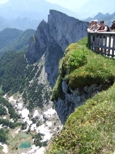 Foto: hofchri / Wander Tour / Schafberg (1782 m) von Winkl / Aussichtsterrasse am Schafberghotel / 28.02.2009 19:27:18