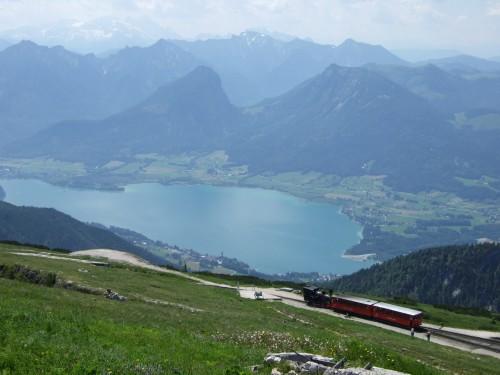 Foto: hofchri / Wander Tour / Schafberg (1782 m) von Winkl / Tiefblicke zum Wolfgangsee von der Terrasse / 28.02.2009 19:27:50