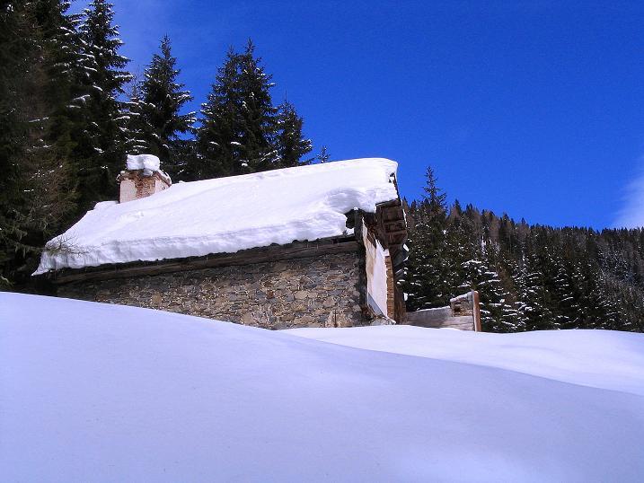 Foto: Andreas Koller / Skitour / Über den Geiger auf den Kilnprein (2408m) / Das verfallene Berghaus  / 11.03.2009 21:11:53
