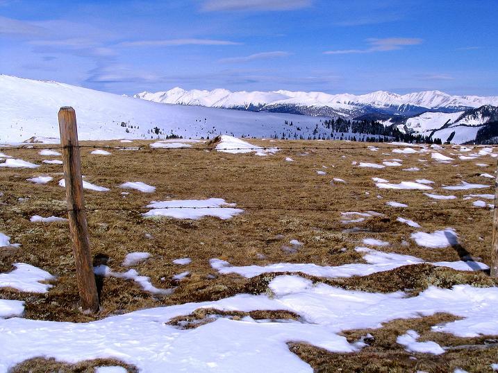 Foto: Andreas Koller / Skitour / Über den Geiger auf den Kilnprein (2408m) / Blick vom Geiger zu den Niederen Tauern / 11.03.2009 21:06:13