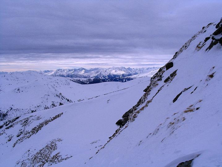 Foto: Andreas Koller / Skitour / Über den Geiger auf den Kilnprein (2408m) / Blick vom SO-Grat des Kilnprein zu den Hohen Tauern / 11.03.2009 21:03:48