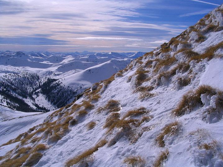 Foto: Andreas Koller / Skitour / Über den Geiger auf den Kilnprein (2408m) / Blick vom Gipfelgrat nach SW / 11.03.2009 21:01:44