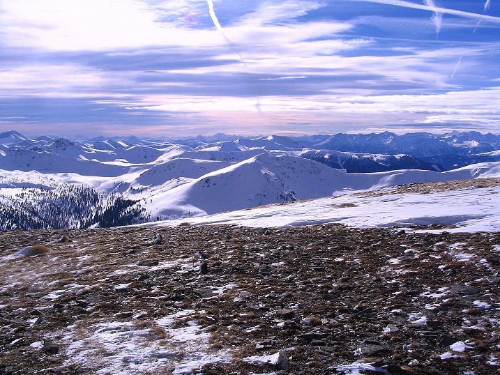 Foto: Andreas Koller / Skitour / Über den Geiger auf den Kilnprein (2408m) / Auch im S Berge, wohin das Auge reicht / 11.03.2009 20:57:34