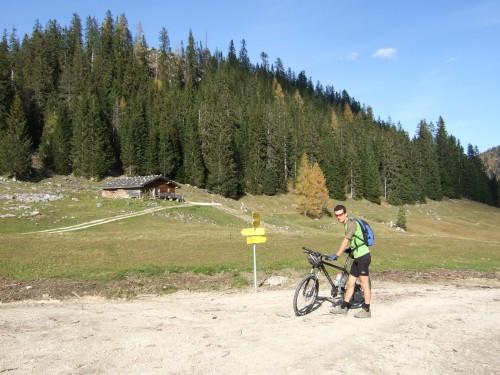 Foto: hofchri / Mountainbike Tour / Rund um das Lattengebirge über Moosenalm (1424 m) / auf der Moosenalm (1424 m) / 13.03.2009 19:18:11