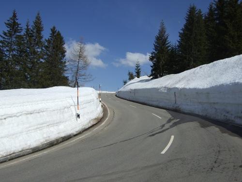 Foto: hofchri / Mountainbike Tour / Roßfeldstraße (1543 m) von Hallein / Saisonopening! 23 Grad in Hallein, 15 Grad auf 1500 m am Rossfeld! / 03.04.2009 20:33:57