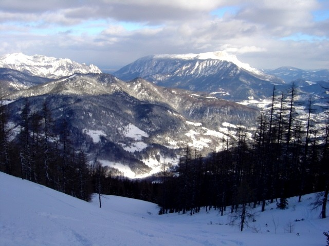 Foto: Manfred Karl / Ski Tour / Watzmann Gugl, 1801 m / Ausblick zum Untersberg / 15.03.2009 06:55:10