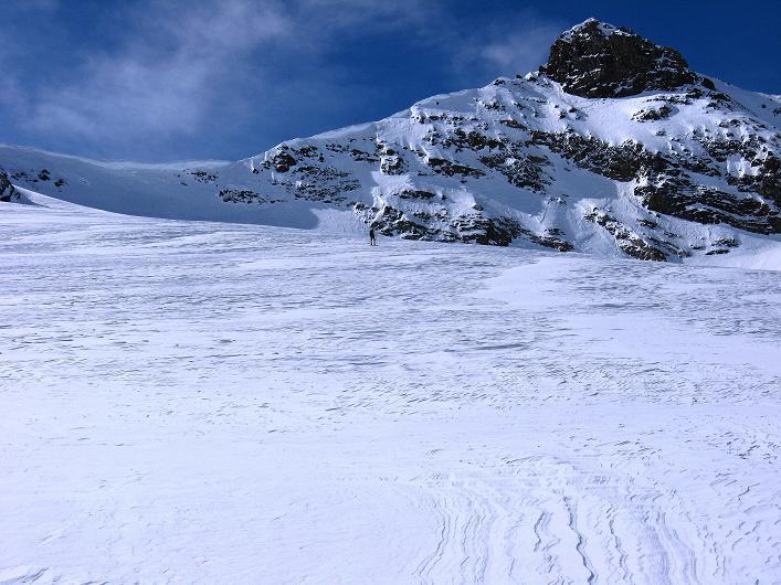 Foto: Andreas Koller / Ski Tour / Piz Tasna (3179m) und Piz Davo Lais (3027m) - Dreitausender über Scuol / Blick über den Vadret da Tasna aud den Piz Tasna / 15.03.2009 18:29:00