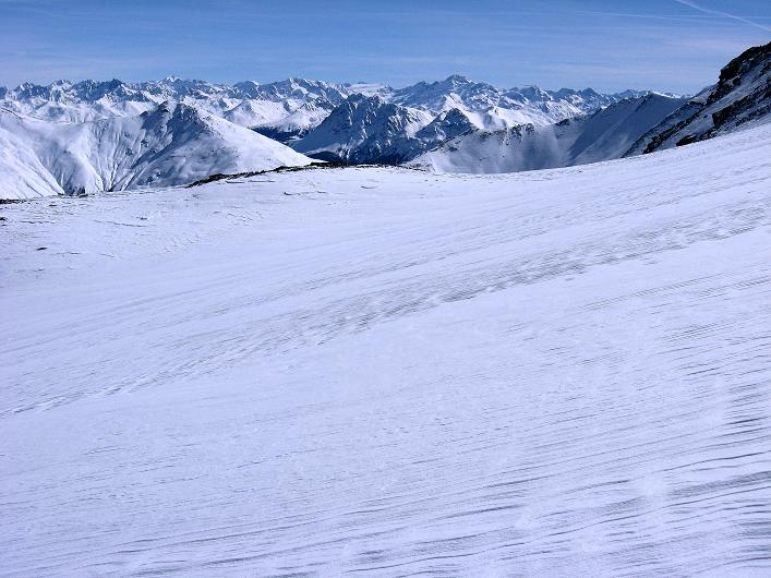 Foto: Andreas Koller / Ski Tour / Piz Tasna (3179m) und Piz Davo Lais (3027m) - Dreitausender über Scuol / Blick zu den Ötztaler Alpen / 15.03.2009 18:28:04