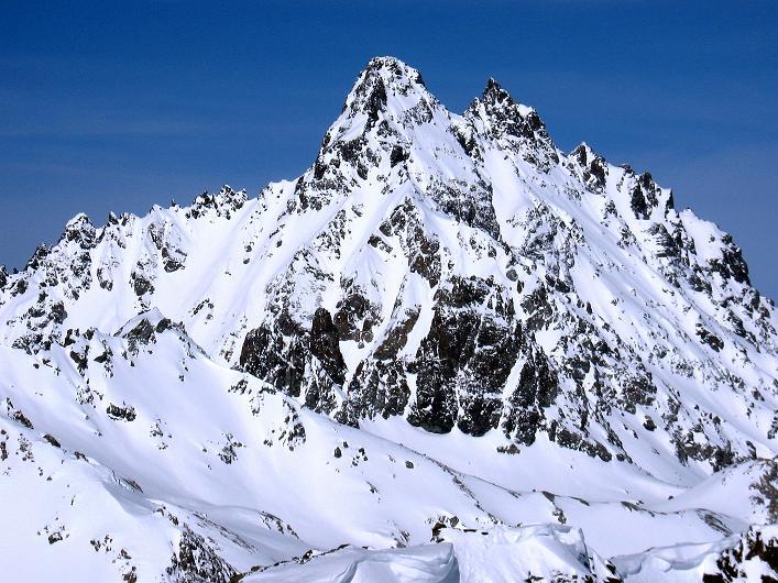 Foto: Andreas Koller / Ski Tour / Piz Tasna (3179m) und Piz Davo Lais (3027m) - Dreitausender über Scuol / Das imposante Fluchthorn (3399 m) / 15.03.2009 18:27:36