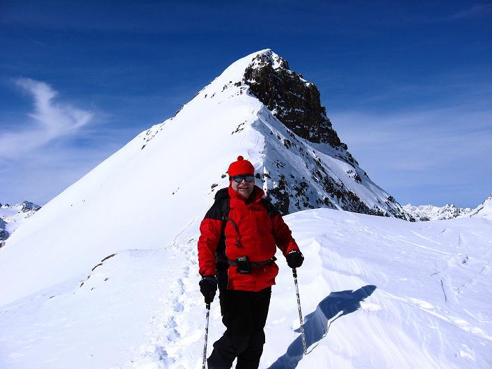 Foto: Andreas Koller / Ski Tour / Piz Tasna (3179m) und Piz Davo Lais (3027m) - Dreitausender über Scuol / Der steile O-Grat des Piz Tasna / 15.03.2009 18:25:59