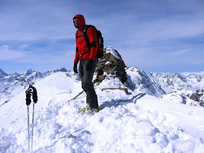 Foto: Andreas Koller / Ski Tour / Piz Tasna (3179m) und Piz Davo Lais (3027m) - Dreitausender über Scuol / Am Gipfel des Piz Tasna / 15.03.2009 18:23:49