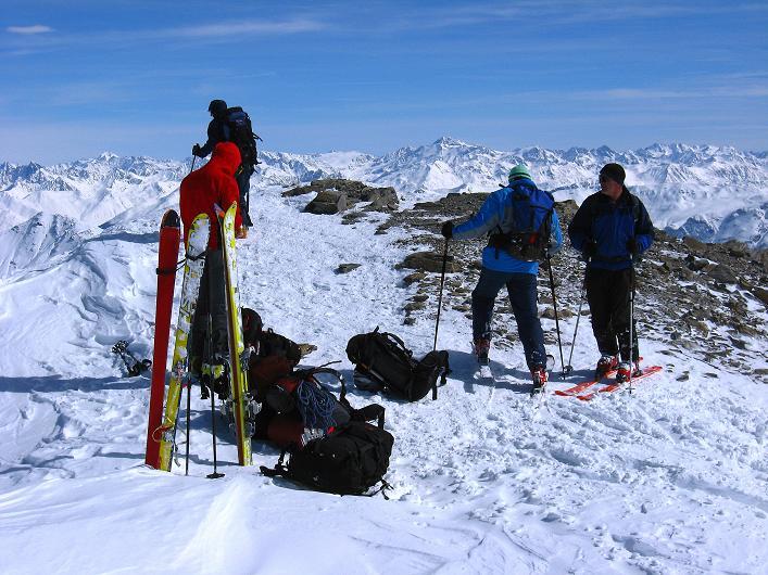 Foto: Andreas Koller / Ski Tour / Piz Tasna (3179m) und Piz Davo Lais (3027m) - Dreitausender über Scuol / Rastplatz Gratschulter / 15.03.2009 18:20:20
