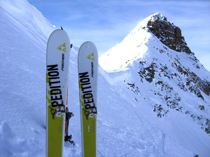 Foto: Andreas Koller / Ski Tour / Piz Tasna (3179m) und Piz Davo Lais (3027m) - Dreitausender über Scuol / Zurück vom Piz Tasna beim Skidepot / 15.03.2009 18:18:54