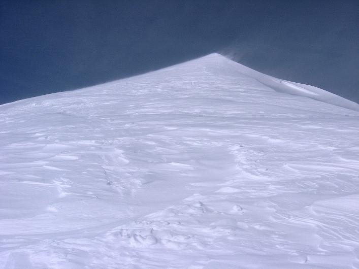 Foto: Andreas Koller / Ski Tour / Piz Tasna (3179m) und Piz Davo Lais (3027m) - Dreitausender über Scuol / Am Piz Davo Lais bei Sturm / 15.03.2009 18:13:18