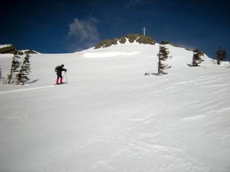 Foto: coquus / Schneeschuh Tour / Loskogel / Die letzten Meter zum Gipfel / 24.03.2009 22:12:11