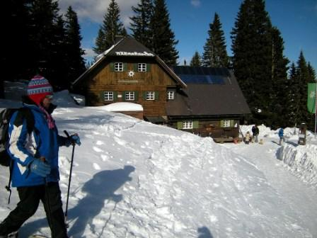 Foto: coquus / Schneeschuh Tour / Loskogel / Ankunft bei der Grünangerhütte / 24.03.2009 22:14:43