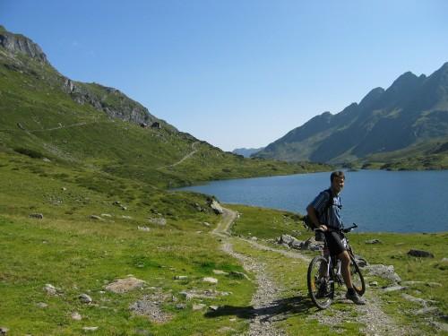 Foto: hofchri / Mountainbike Tour / Giglachseen (1986 m) über Ursprungalm / am Giglachsee angelangt / 02.04.2009 20:50:39