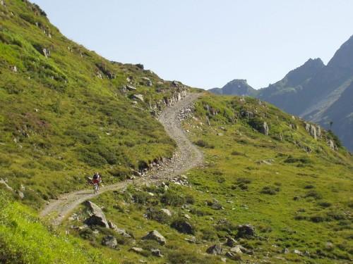 Foto: hofchri / Mountainbike Tour / Giglachseen (1986 m) über Ursprungalm / der letzte steile Anstieg zur Ignaz-Mattig-Hütte / 02.04.2009 20:51:23