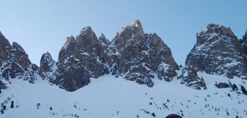 Foto: Bernhard Berger / Ski Tour / Von Wolkenstein auf den Col Toronn (2655m) / Rotspitzen (Foto Bernd Golas) / 08.04.2009 07:00:41