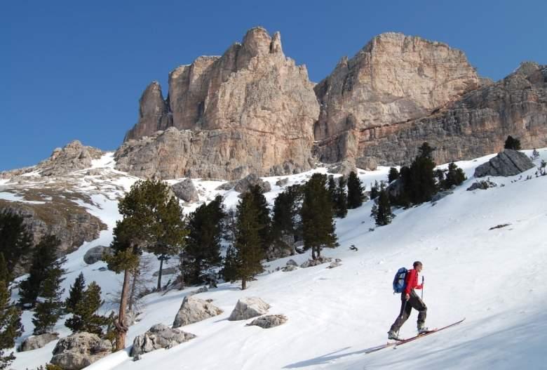 Foto: Bernhard Berger / Ski Tour / Von Wolkenstein auf den Col Toronn (2655m) / Mont de Soura (Foto Bernd Golas) / 08.04.2009 07:02:16