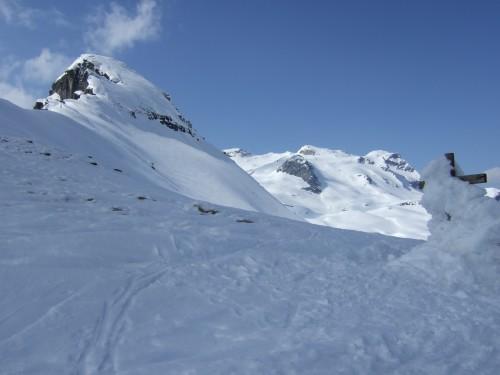Foto: hofchri / Ski Tour / Hohe Fürleg (2943m),  Stubacher Sonnblick (3088m) und Granatspitze (3086m) vom Enzingerboden / am Kalser Tauern angekommen (2515 m) / 08.04.2009 21:11:08