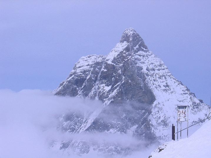 Foto: Andreas Koller / Schneeschuh Tour / Panorama-Schneeschuhtour auf die Gobba di Rollin (3899 m) / Matterhorn (4478 m) / 15.04.2009 23:51:21