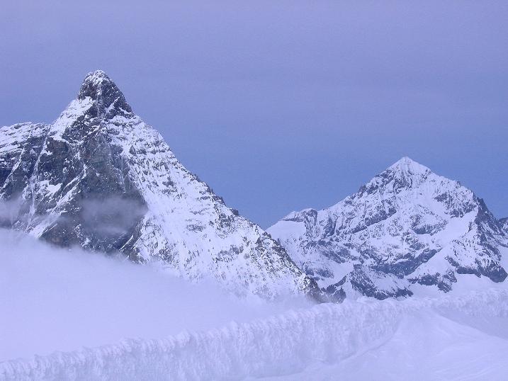 Foto: Andreas Koller / Schneeschuh Tour / Panorama-Schneeschuhtour auf die Gobba di Rollin (3899 m) / Matterhorn (4478 m) und Dent Blanche (4341 m) / 15.04.2009 23:50:57