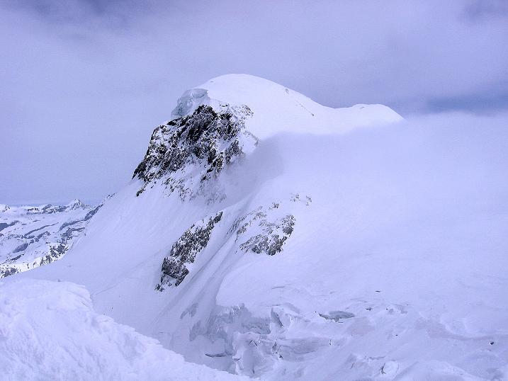 Foto: Andreas Koller / Schneeschuh Tour / Panorama-Schneeschuhtour auf die Gobba di Rollin (3899 m) / Breithorn (4164 m) / 15.04.2009 23:50:32