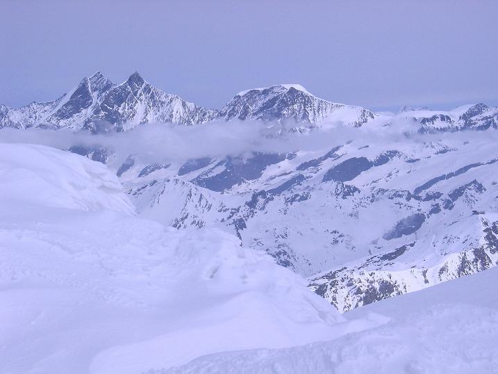 Foto: Andreas Koller / Schneeschuh Tour / Panorama-Schneeschuhtour auf die Gobba di Rollin (3899 m) / Dom (4545 m) und Täschhorn (4491 m) / 15.04.2009 23:50:16