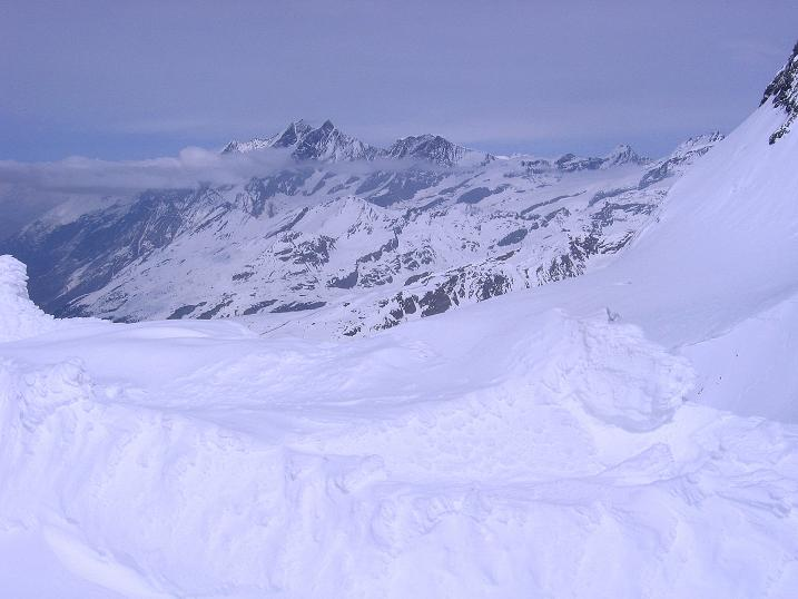 Foto: Andreas Koller / Schneeschuh Tour / Panorama-Schneeschuhtour auf die Gobba di Rollin (3899 m) / Blick zur Michabelgruppe um den Dom (4545 m) / 15.04.2009 23:48:05