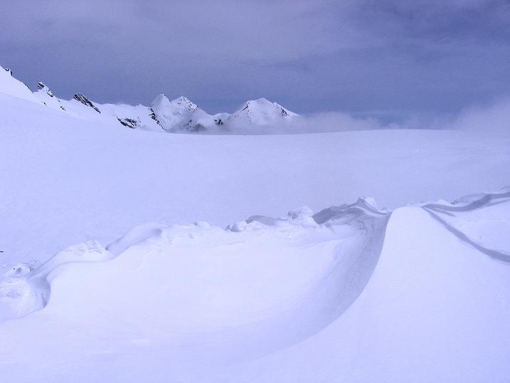 Foto: Andreas Koller / Schneeschuh Tour / Panorama-Schneeschuhtour auf die Gobba di Rollin (3899 m) / Breithornplateau und Castor (4228 m) / 15.04.2009 23:47:40