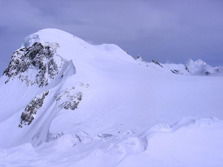 Foto: Andreas Koller / Schneeschuh Tour / Panorama-Schneeschuhtour auf die Gobba di Rollin (3899 m) / Breithorn-Kamm (4164 m) / 15.04.2009 23:47:16