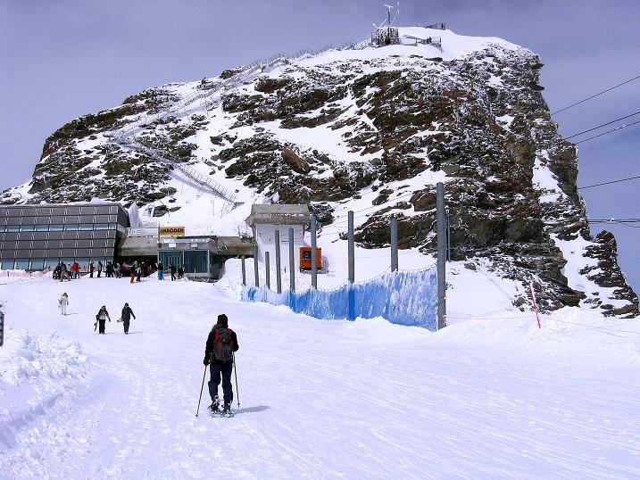 Foto: Andreas Koller / Schneeschuh Tour / Panorama-Schneeschuhtour auf die Gobba di Rollin (3899 m) / Rückkehr zum Kleinen Matterhorn / 15.04.2009 23:46:42