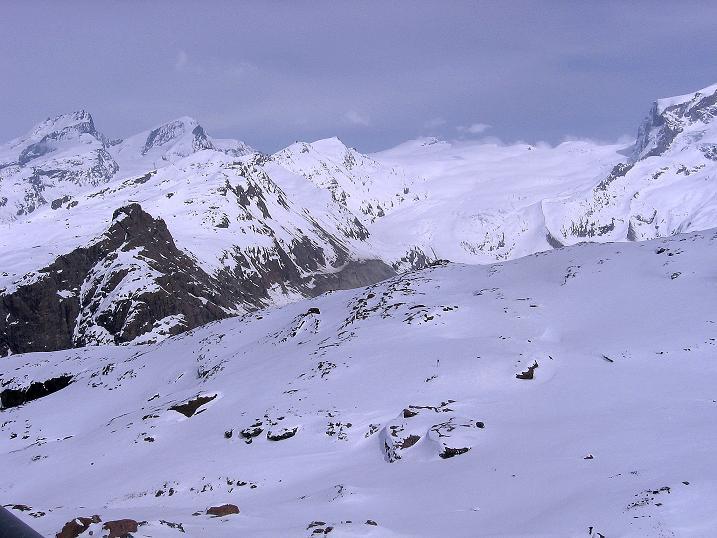Foto: Andreas Koller / Schneeschuh Tour / Panorama-Schneeschuhtour auf die Gobba di Rollin (3899 m) / Gipfel um das Rimpfischhorn (4199 m) und Strahlhorn (4190 m)  / 15.04.2009 23:43:51