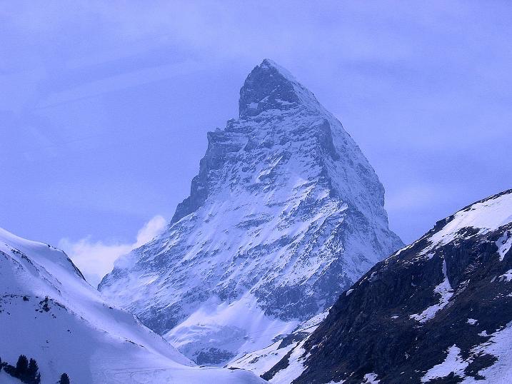 Foto: Andreas Koller / Schneeschuh Tour / Panorama-Schneeschuhtour auf die Gobba di Rollin (3899 m) / Matterhorn (4478 m) / 15.04.2009 23:42:28