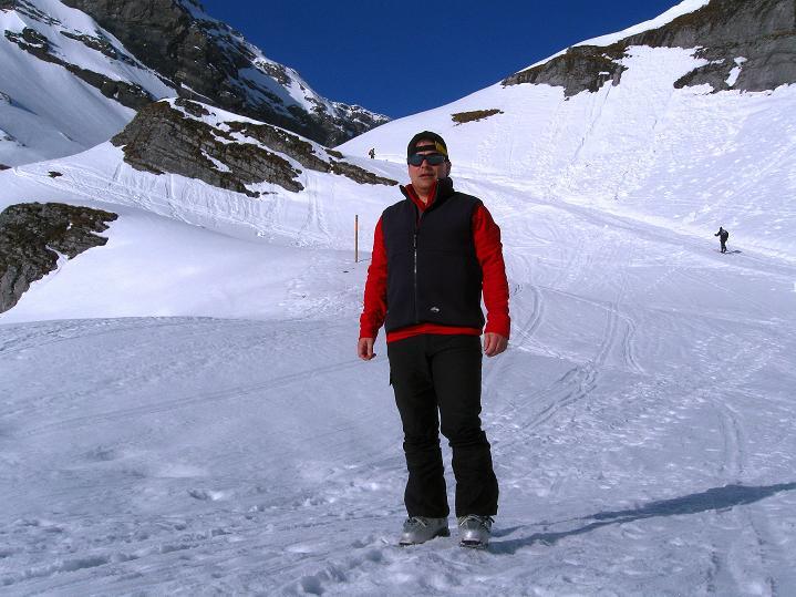 Foto: Andreas Koller / Ski Tour / Hoch über dem Gemmipass aufs Steghorn (3146m) / 16.04.2009 03:03:04