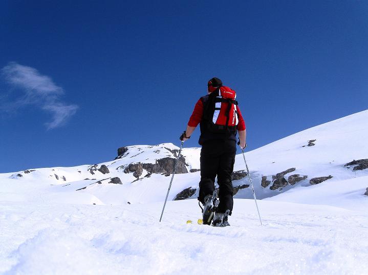 Foto: Andreas Koller / Ski Tour / Hoch über dem Gemmipass aufs Steghorn (3146m) / 16.04.2009 02:58:51