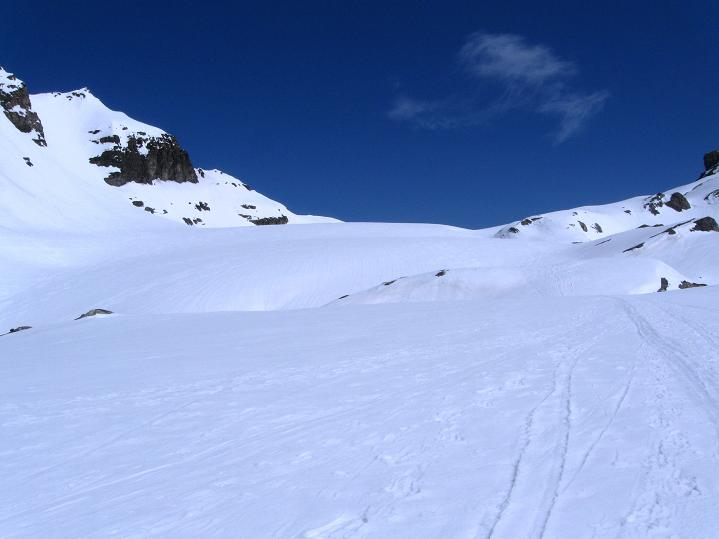 Foto: Andreas Koller / Ski Tour / Hoch über dem Gemmipass aufs Steghorn (3146m) / Der Steghorngletscher / 16.04.2009 02:58:36