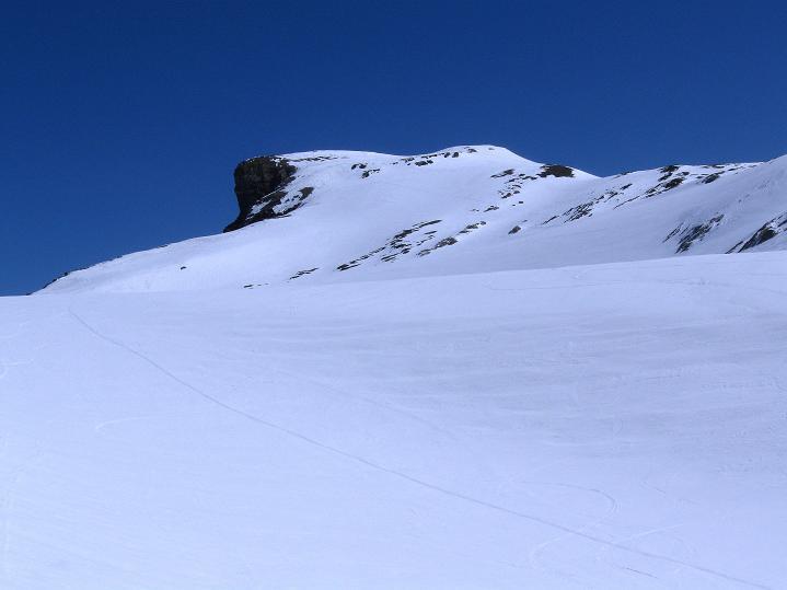 Foto: Andreas Koller / Ski Tour / Hoch über dem Gemmipass aufs Steghorn (3146m) / 16.04.2009 02:56:52