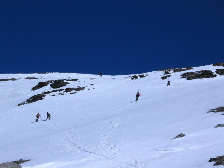 Foto: Andreas Koller / Ski Tour / Hoch über dem Gemmipass aufs Steghorn (3146m) / 16.04.2009 02:55:12