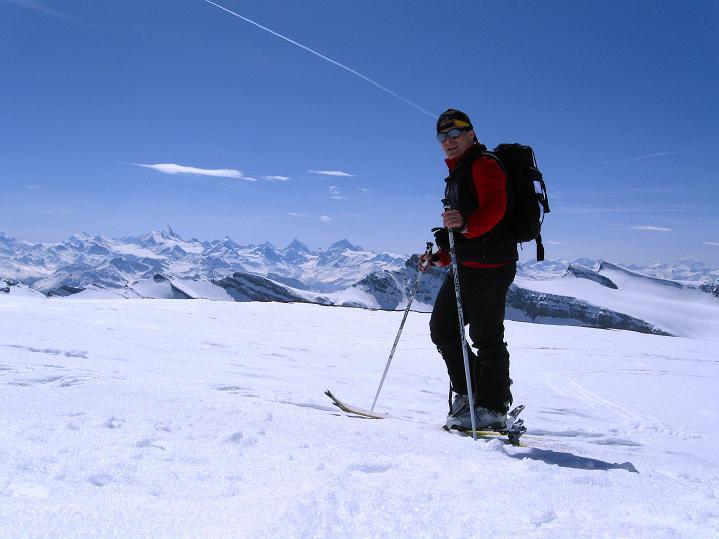 Foto: Andreas Koller / Ski Tour / Hoch über dem Gemmipass aufs Steghorn (3146m) / 16.04.2009 02:55:04