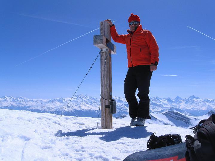 Foto: Andreas Koller / Ski Tour / Hoch über dem Gemmipass aufs Steghorn (3146m) / 16.04.2009 02:49:51