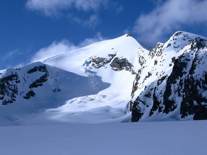 Foto: Andreas Koller / Ski Tour / Berner Alpen Durchquerung 2: Äbeni Flue (3962m) / Äbeni Flue von SW / 17.04.2009 23:03:14
