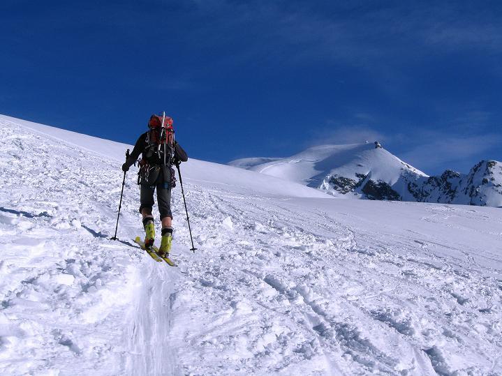 Foto: Andreas Koller / Ski Tour / Berner Alpen Durchquerung 2: Äbeni Flue (3962m) / 17.04.2009 23:02:19