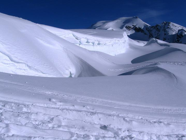 Foto: Andreas Koller / Ski Tour / Berner Alpen Durchquerung 2: Äbeni Flue (3962m) / 17.04.2009 23:02:04