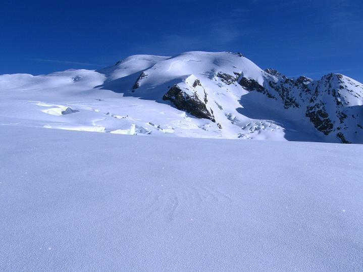 Foto: Andreas Koller / Ski Tour / Berner Alpen Durchquerung 2: Äbeni Flue (3962m) / Äbeni Flue / 17.04.2009 23:00:41