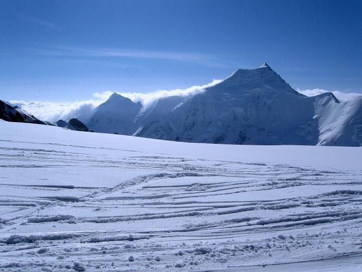 Foto: Andreas Koller / Ski Tour / Berner Alpen Durchquerung 2: Äbeni Flue (3962m) / 17.04.2009 22:59:54