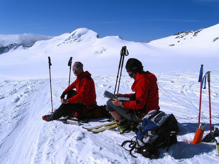 Foto: Andreas Koller / Ski Tour / Berner Alpen Durchquerung 2: Äbeni Flue (3962m) / 17.04.2009 22:59:46