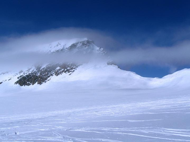 Foto: Andreas Koller / Ski Tour / Berner Alpen Durchquerung 2: Äbeni Flue (3962m) / Mittaghorn (3892 m) / 17.04.2009 22:59:31